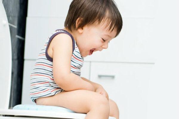 điều trị bệnh táo bón ở trẻ