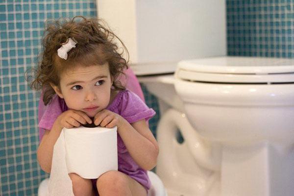 cách chữa trẻ bị táo bón